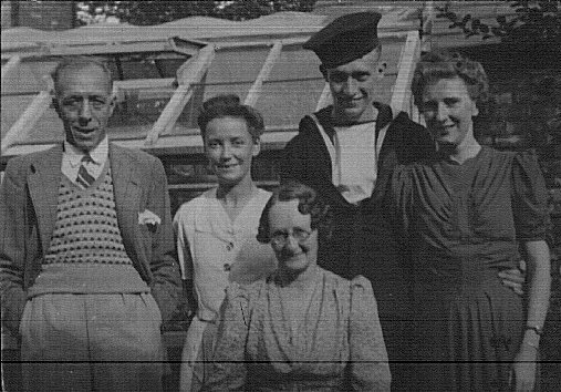 August 1943 Back - Stan's father, Alice Wakeford, Stan, Pearl, Front - Stan's mother